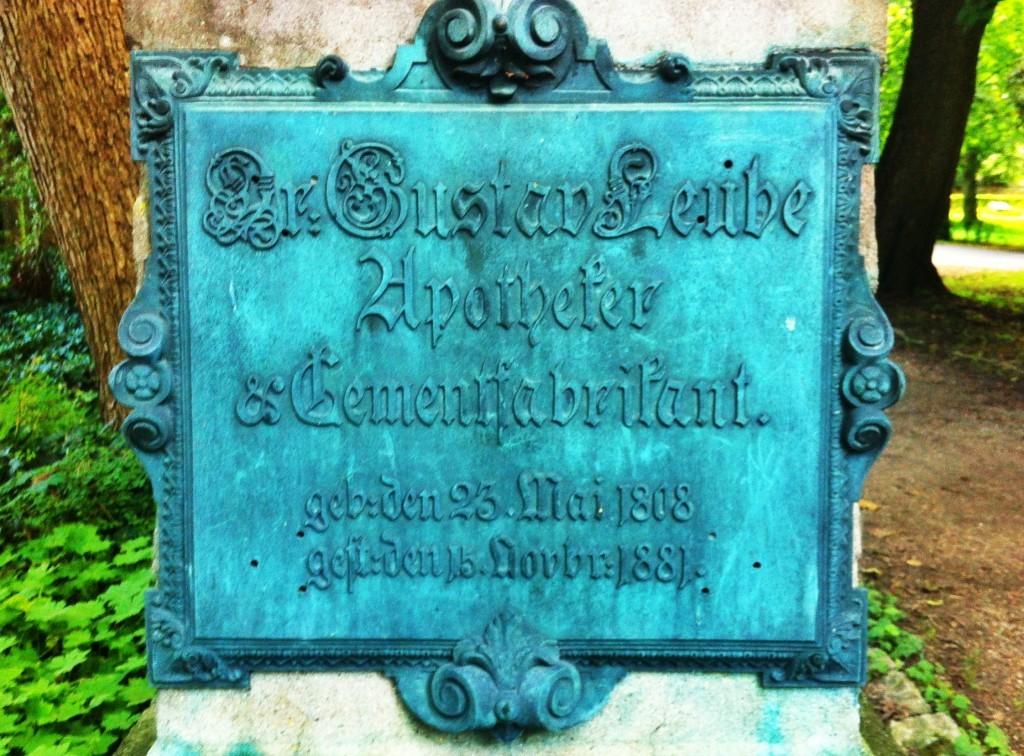 Leube & Heim: Die Gräber der Tüchtigen