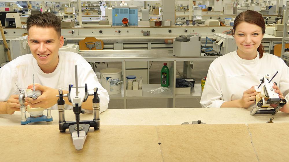 Ausbildung: Zahntechniker (m/w)  bei Gäßler Zahntechnik in Ulm/Wiblingen