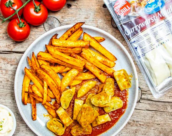 Currywurst-Maultaschen mit Selfmade-Pommes